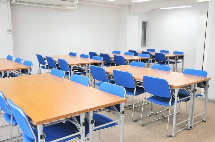 【小川町】B7出口から0分!窓が大きく明るいリーズナブル会議室(36名)