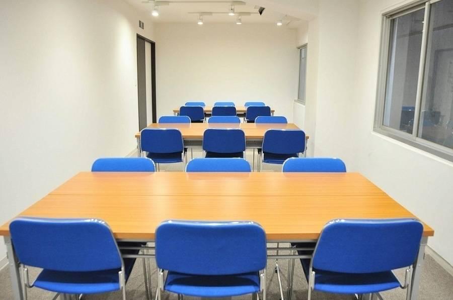 【小川町】B7出口から0分!清潔感のあるリーズナブル貸し会議室(21名)