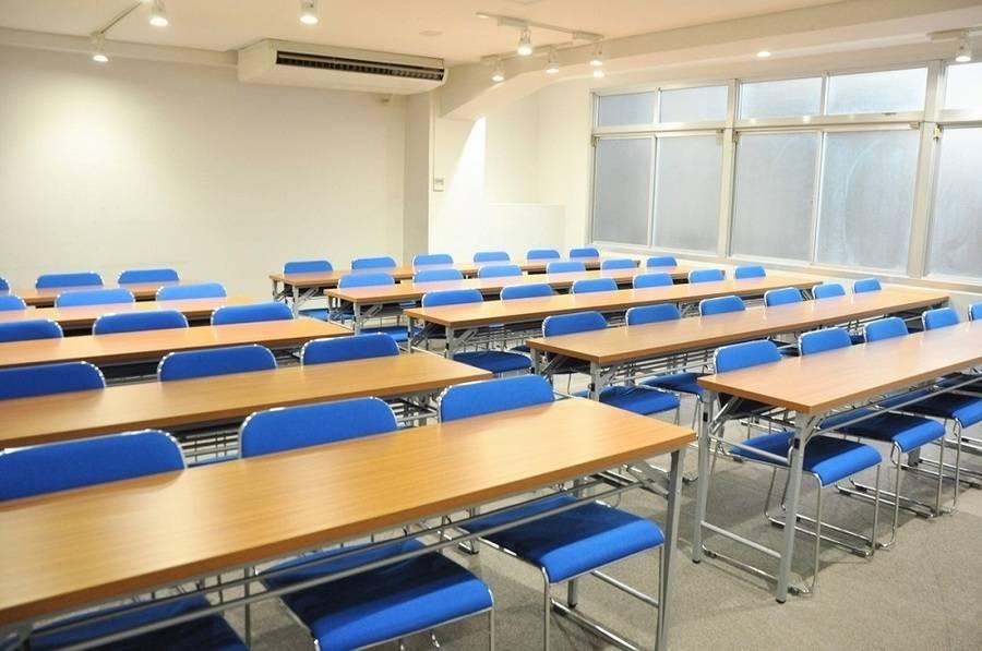 【小川町】B7出口から0分!24時間年中無休!研修や会議にオススメな清潔感のある貸し会議室(45名)