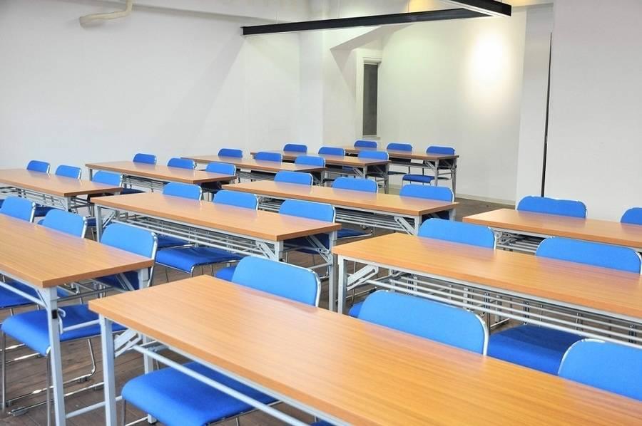 【小川町】B7出口から0分!明るく開放的なリーズナブル会議室(36名)